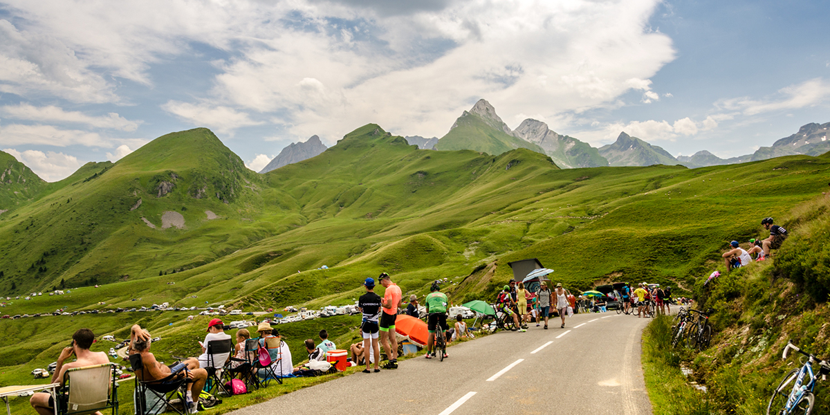 Waiting for Tour de France on Col d'Aubisque